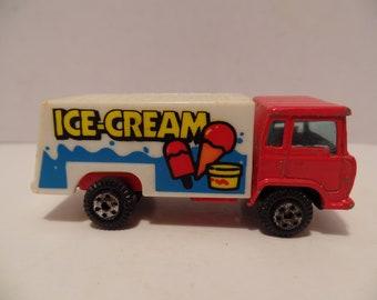 1970's Ice Cream Truck (Yatming) Lesney MATCHBOX Diecast