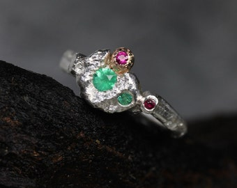 Budding Branch Engagement Ring Emerald Ruby Rose Gold Silver Natural Rustic Floral Bridal Design July May Birthstone Flower - Wunderblüte