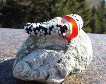 Puffin bead crochet bracelet......FREE SHIPPING