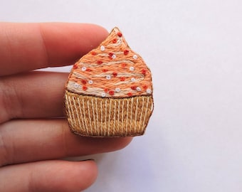 Brooch with hand embroidery Orange cake