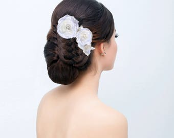 Hairclips hairstyle wedding flowers bridal hair pin lace white and ivory, crowns and Tiaras