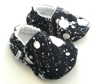 Black & White Baby Booties, Baby Shoes, Baby Slippers, Baby Booties, Baby Moccs, Soft Sole, Baby Gift, Baby Booty