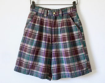 vintage 70's - 80's Men's shorts. Flat front - 'drop' belt loops. Red, White, & Blue Madras. 34