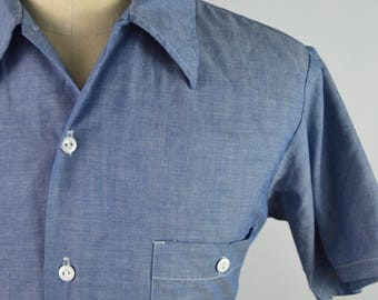Vintage 1970s Short Sleeve Chambray Shirt by JC Penney Size Small