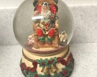 Vintage Santa Claus Snow Globe