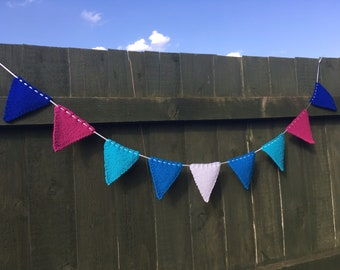 Frozen Knitted Bunting (9 Pieces)
