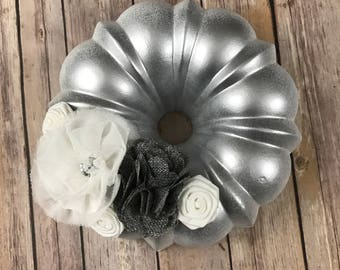 Wreath made out of a bundt pan