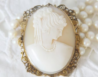 Lovely Antique Hand Carved Shell Cameo Brooch/Hanger in Gold Plated Filigree Setting