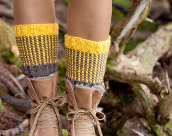Two-Tone Totally Reversible Hand-Knit Boot Cuffs Chunky Texture Waffle Boot Toppers Striped Spats Legwear Gaiters taupe mustard