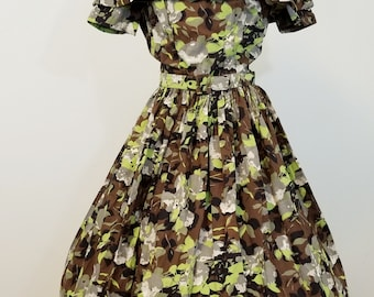 Vintage 1950s Dress. Floral Print Cotton. Woddsy Earth Tones. Full Skirt. Small