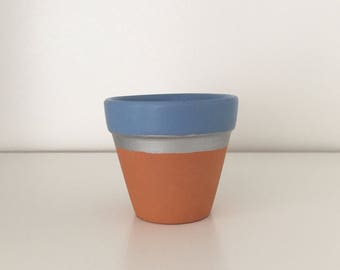 Mini terracotta plant pot - ideal for succulents and cacti (blue)