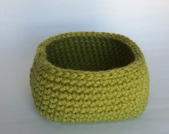 Medium Square Base Crochet Basket/Leaf Green