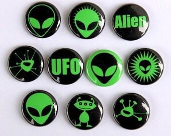 Green Aliens Set of 10 - Pinback Buttons Badges 1 inch - Flatbacks or Magnets