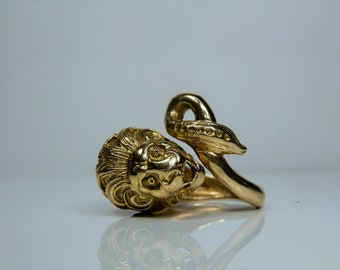Vintage 18k Yellow Gold Lion Ring. Size 5.5. Very Detailed Design. Heavy, 14.70 grams of Solid 18k Gold.