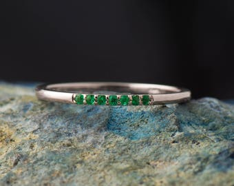 Wedding Emerald Ring, Dianty Emeralds Band, 14K Yellow Gold Stackable Ring, Stacking Band, Thin Wedding ring, dainty gold band