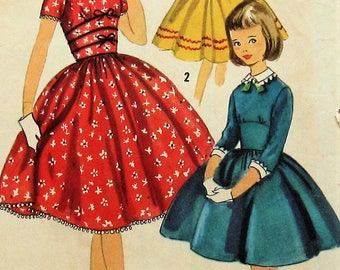 Vintage Girls Dress Sewing Pattern Simplicity 1737 Size7