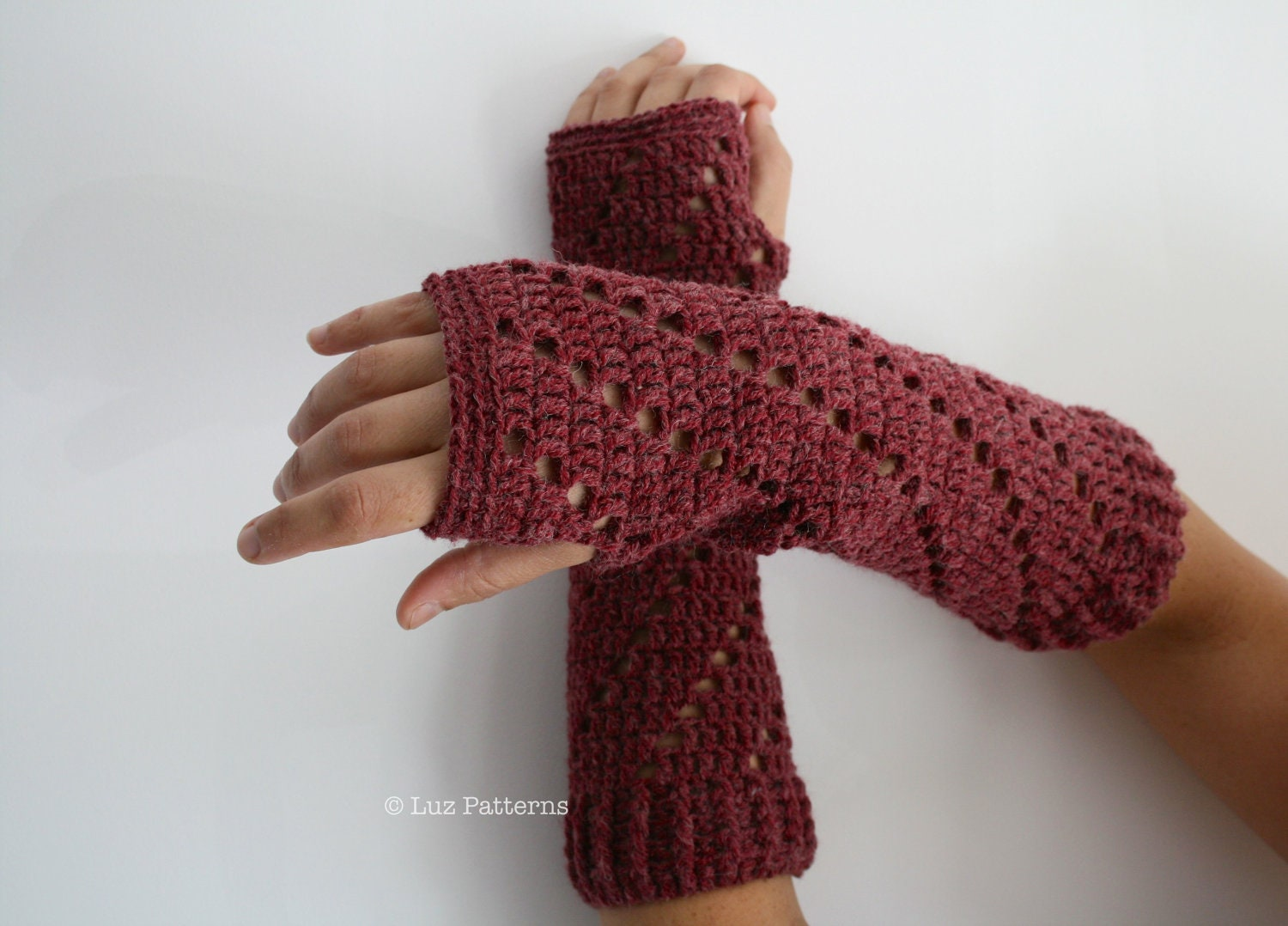 Crochet patterns girl and women arm warmer pattern wrist