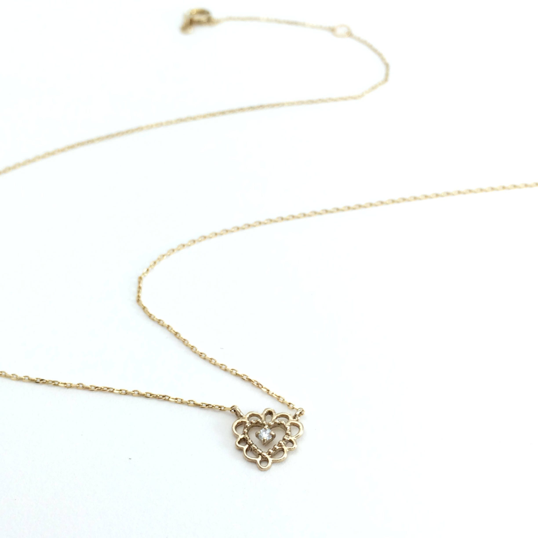 diamond heart necklace dainty diamond necklace minimal jewelry. Black Bedroom Furniture Sets. Home Design Ideas