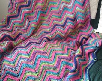 Soft Reversable Zigzag Blanket