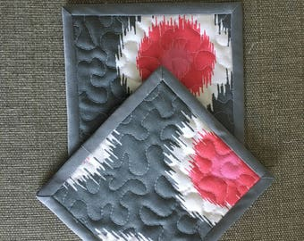Quilted Pot holders , Potholders,pot holders, Fabric Pot holders, Contemporary Potholders ,7 x 6,5 inch, gray and pink