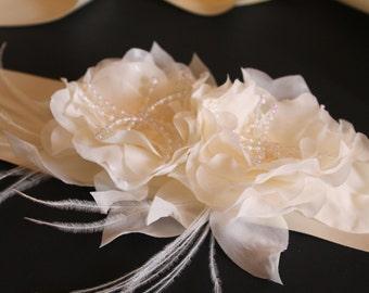 Bridal Flower Sash, Wedding Floral Belt, Bridal Sash Ivory Flowers with Pearls Bridal Belt for Wedding