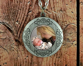 Personalized Photo Locket - Photo Locket Necklace Custom Photo Gift Gifts for Mom from Daughter Gifts or Mom Birthday Customized Gifts