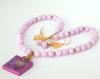 Beaded Jewelry Sets Gemstone Necklace and Earrings for Women Pendant Necklace Dangle Earrings Short Necklace Pink Jewelry for a Gift