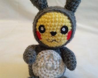 Pikachu dressed as Totoro crochet amigurumi Pokemon