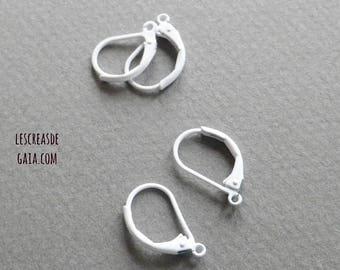 1 x set of 4 Stud Earrings white metal stand for earrings