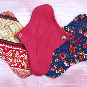 Set of 3 DAILY Panty-liners~ washable panty liners~ cotton reusable pads~ for daily use/ light flow period days/ tampon backup~ natural eco!