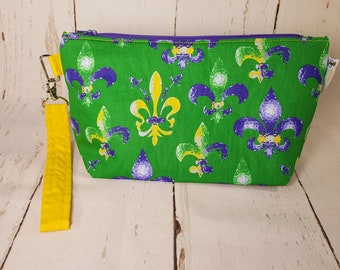 Knitting Project Bag - Fleur-de-lis on Green - Yellow/purple/green - Zippered Project Bag, Small Wedge Bag, Cosmetic Bag WS0037