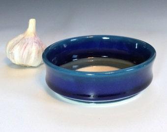 Blue Garlic Grater Bowl, Porcelain Oil Dipping Bowl, Ceramic Garlic Bowl, Ombré Garlic Bowl, Ceramic Garlic Dish, Wheel Thrown Pottery Bowl