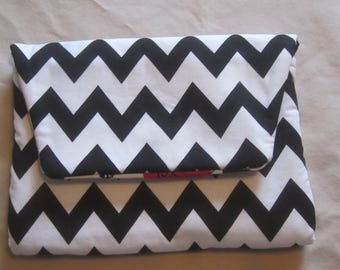 BLACK & WHITE CHEVRON Clutch Purse