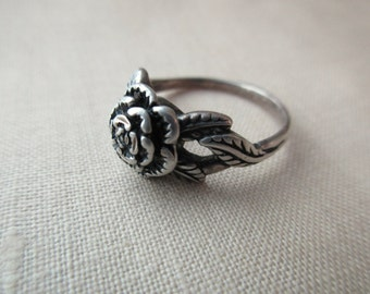sterling silver ring with rose - flower, size 8.25