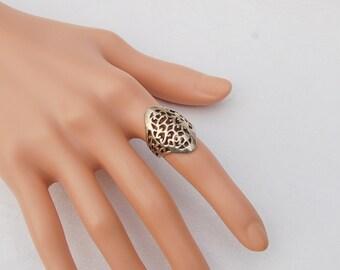 Stunning Vintage Silver Filigree Ring.        ..... US Size 5.  .................. UK Size J