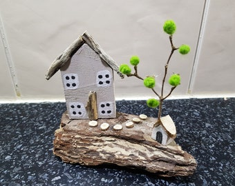 small driftwood cottage