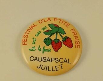 Vintage wild Strawberry festival pinback button