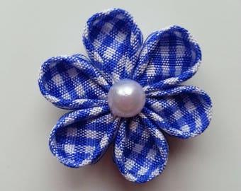 fleur tissu à carreaux blanc et bleu 4 cm  petales ronds