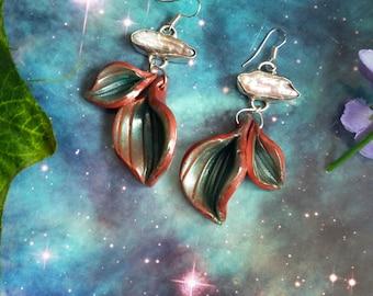 Forest leaves pearl earrings