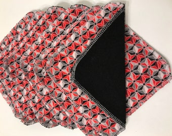 MamaBear Reusable Cloth Towelettes (Unpaper) Napkins Set of 6 - Red and Black Geometry
