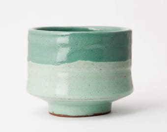 "Wabi sabi Matcha Chawan Green pottery Tea Bowl Handmade ceramic tea cup 3 "" diameter and 2.5 "" tall. 4,7 fl oz"