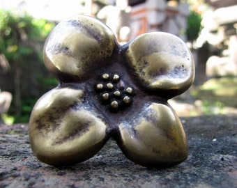 Indah Brass Flower Drawer Pull or Door Knob