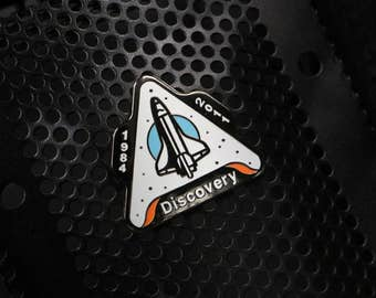 Space Shuttle Discovery Lapel Pin