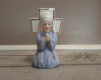 Napco Planter Vintage Planter Madonna Praying Nun in Front of Cross Planter 2027 Ceramic Planter Mary in Front of Cross Vase