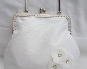 Ivory Satin Kiss Clasp Clutch Bag/Snap frame Clutch Bag/wedding/bridesmaids/prom/Special occasions/evenings out bag/purse