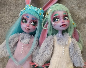Saskia and Freya I Bunny twins I Monster high Twyla Repaint