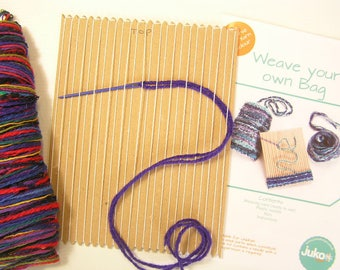 Card loom weaving kit to make a multicoloured woven bag
