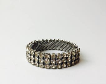 Vintage Made In Japan Rhinestone Bracelet/Stretchy Rhinestone Bracelet/Vintage Rhinestones/Bridal Jewelry/Expansion Bracelet/Old Hollywood