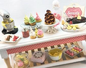 Romantic Cupcake lovers table - Valentine UNIQUE