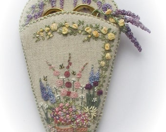 Embroidered Country Gardens Scissorkeeper - Full Kit